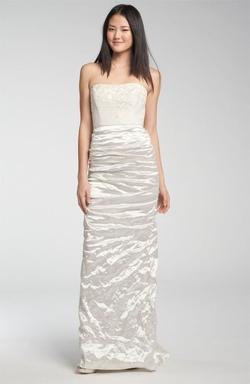 Preload https://img-static.tradesy.com/item/12924058/nicole-miller-cool-white-satin-blend-strapless-wedding-dress-size-4-s-0-0-540-540.jpg