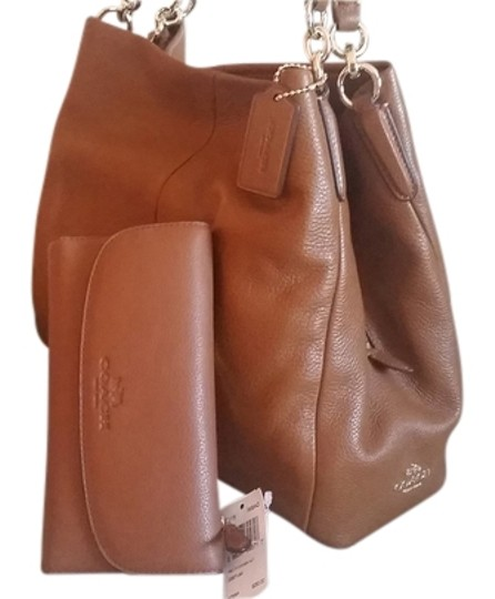 Preload https://item2.tradesy.com/images/coach-phoebe-madison-and-wallet-set-brown-italia-leather-shoulder-bag-12924121-0-1.jpg?width=440&height=440