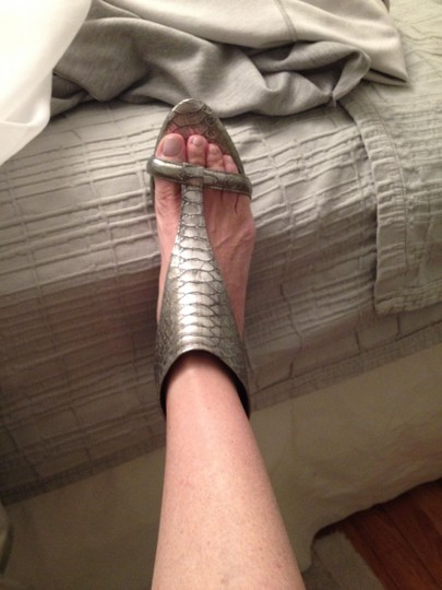 Kenneth Cole Leather Metalic Pewter Sandals