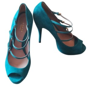 Gucci Suede Teal Pumps