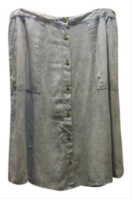 Preload https://item2.tradesy.com/images/forever-21-chambray-size-12-l-32-33-1292521-0-0.jpg?width=400&height=650