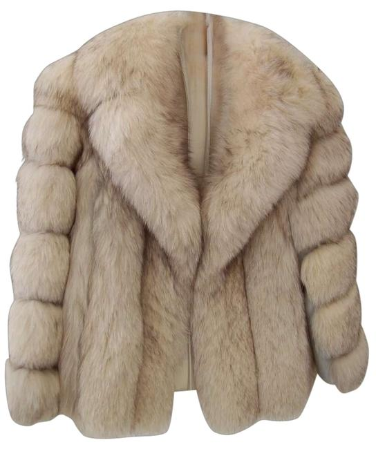 Preload https://img-static.tradesy.com/item/129257/norwegian-silver-fox-jacket-fur-coat-size-6-s-0-0-650-650.jpg