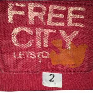 Free City Top Red