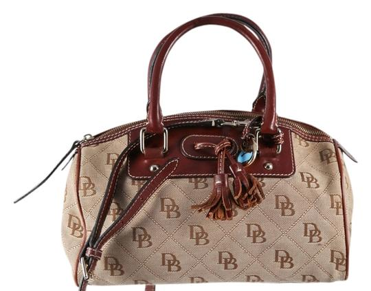 Preload https://img-static.tradesy.com/item/12926371/dooney-and-bourke-monogram-tassle-brown-canvas-satchel-0-1-540-540.jpg