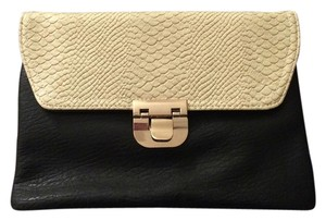 Urban Expressions Black and Cream Clutch