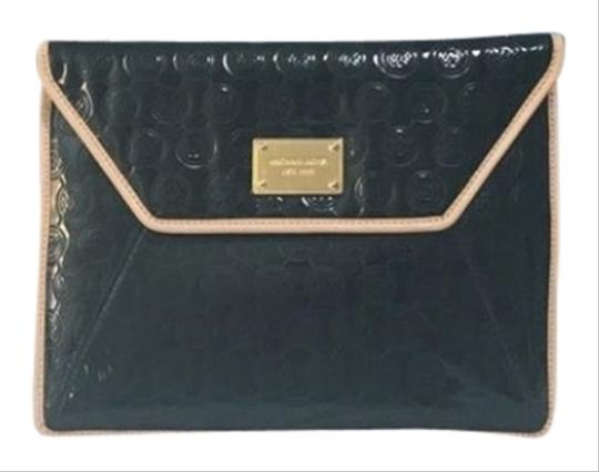 michael kors mk leather black clutch on sale 63 off clutches on. Black Bedroom Furniture Sets. Home Design Ideas