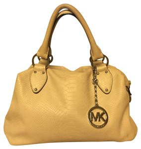MICHAEL Michael Kors Satchel in Off-White