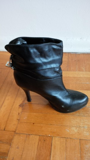 ShoeDazzle Stylish Funky Ankle Black Boots