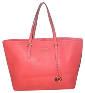 8fed924eca69 Michael Kors Next Day Shipping Tote in Watermelon. Michael Kors Jet Set  Medium Travel ...