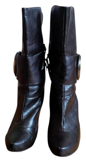 ShoeDazzle Fashion Trendy High Cool chocolate brown Boots