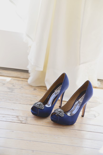 Item - Navy Pump with Crystal Accent Formal Size US 8 Regular (M, B)