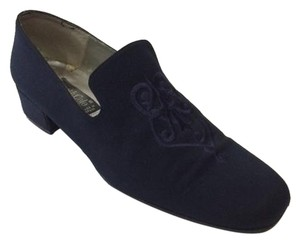Kenneth Cole Embroidered Navy Flats