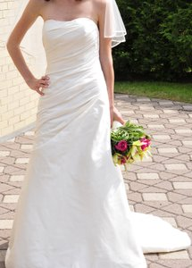 Priscilla Of Boston Priscilla Of Boston Strapless Silk Sweetheart Gown 4028 Wedding Dress