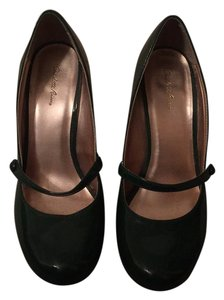 Charlotte Russe Green Pumps