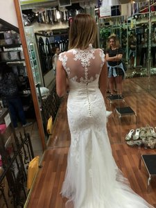 Joana Button Down Back Lace Sheer Tulle Tulle Train Trumpet Capped Sleeves Queen Ann Neck Sweetheart Wedding Dress