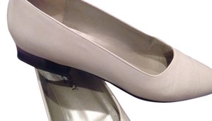 Ellen Tracy Made In Italy Leather Winter White Flats