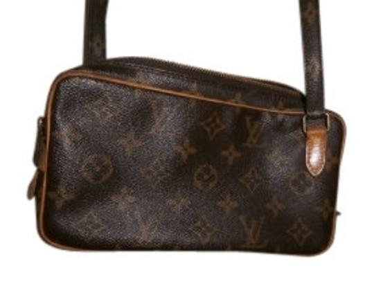 Preload https://item1.tradesy.com/images/louis-vuitton-rectangle-vintage-classic-lv-leather-fabric-shoulder-bag-12950-0-0.jpg?width=440&height=440