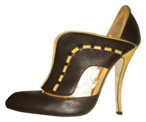 Manolo Blahnik Brown / yellow Boots