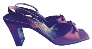 Salvatore Ferragamo Slingback Satin Dressy Party Holiday Bow Classic Timeless Vintage Bordeaux, Wine, Oxblood Formal