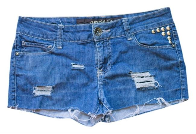 Preload https://item3.tradesy.com/images/grane-studded-destroyed-cut-off-shorts-1295637-0-0.jpg?width=400&height=650