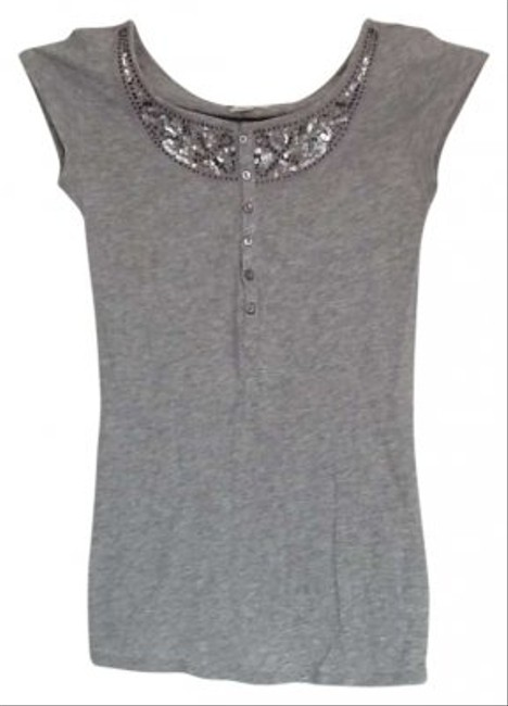 Preload https://item5.tradesy.com/images/abercrombie-and-fitch-gray-embellished-tee-shirt-size-4-s-129589-0-0.jpg?width=400&height=650