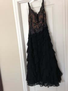 Mon Cheri Black Beaded Top Ruffled Layered Chiffon Skirt with Embroidered 24857 Formal Bridesmaid/Mob Dress Size 12 (L)