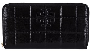 Tory Burch NEW Tory Burch 32159039 Black Quilted Patent Leather T Logo Zip Around Wallet