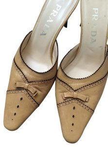 Prada Heels Small Heel Camel Leather tan Pumps