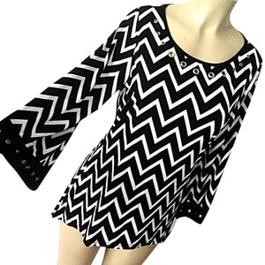Chevron Studded Hi Lo Top Black white