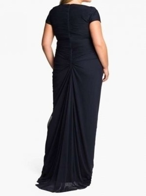 Adrianna Papell New Without Tags. Tried On But Never Worn. Stretches To Fit The Contours Of Your Body Very Figure Flattering With Waist. Dress