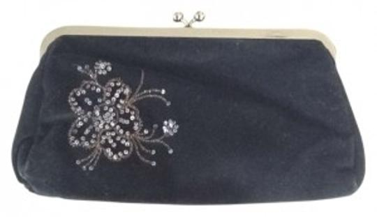 Preload https://img-static.tradesy.com/item/129623/express-embellished-black-velvet-clutch-0-0-540-540.jpg