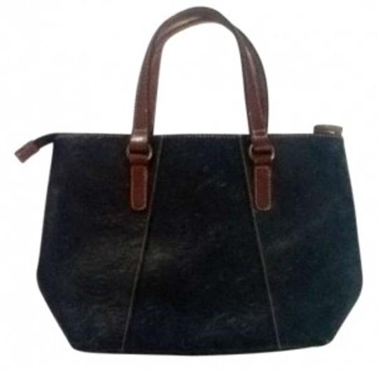 Preload https://item2.tradesy.com/images/fossil-black-leather-tote-129626-0-0.jpg?width=440&height=440