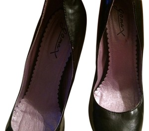 Gomax Black Pumps