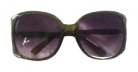 Preload https://item4.tradesy.com/images/aj-morgan-olive-decorative-metal-side-hinge-shades-sunglasses-129668-0-0.jpg?width=440&height=440