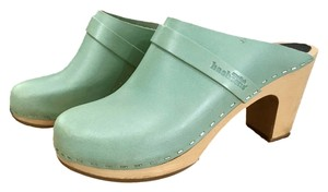 swedish hasbeens Slip In Classic Toffel Size 7 Mint Mules