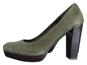 Banana Republic Suede Leather Chunky Heels Drama Going Out Dark Olive Pumps