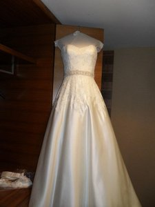Augusta Jones Cream White Satin/Lace Olivia Traditional Wedding Dress Size 4 (S)