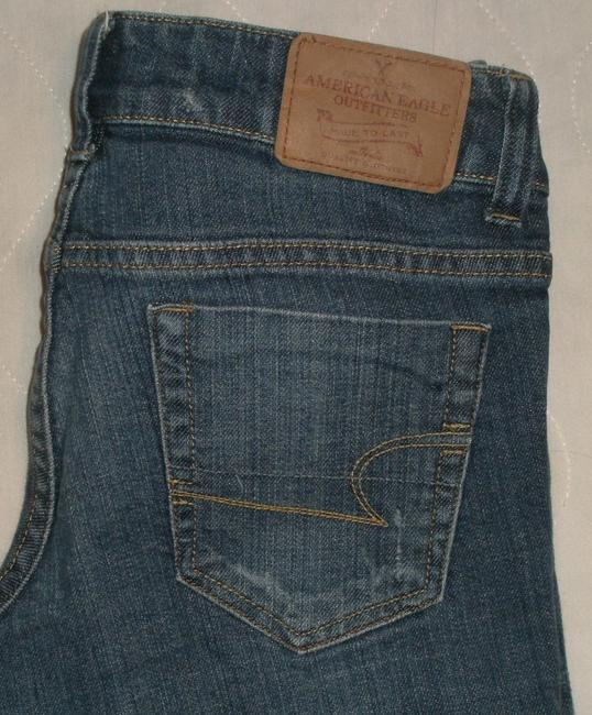 American Eagle Outfitters Classic 5 Pockets Style *zip Fly *low Rise *whiskering & Distressing Detail *signature Back Pocket Stitching *machine & Denim Shorts-Medium Wash