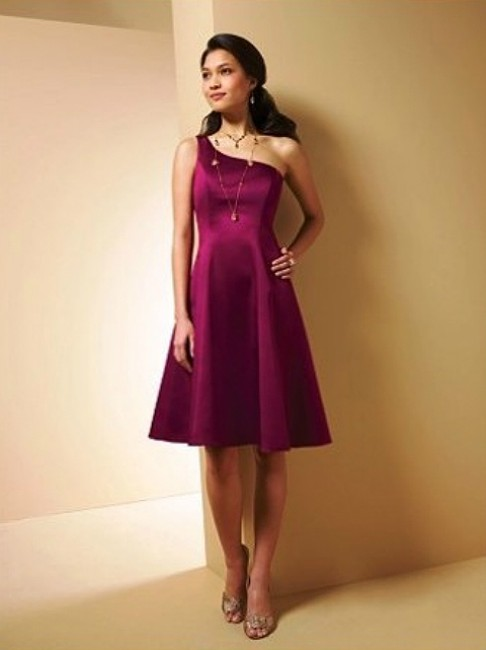 Item - Burgundy Satin Style 7054 Destination Bridesmaid/Mob Dress Size 4 (S)
