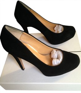 Dolce Vita Suede Upper Pleated Round Toe Black Pumps