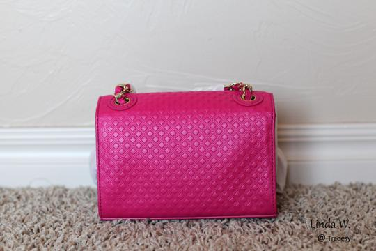 Tory Burch Leather Gold Hardware Chain Strap Quilted Leather Shoulder Cross Body Bag Image 3