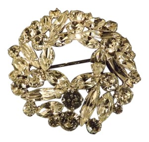 Albert Weiss Gorgeous Wreath Brooch, Stones are Perfect!