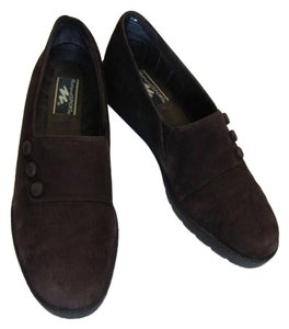NATURAL SPORT Brown Suede 7-1/2n Pumps
