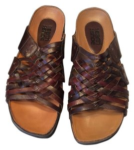 Earth Leather Brown Sandals