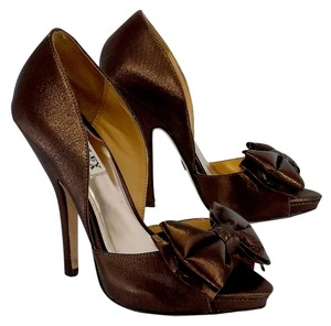Badgley Mischka Bronze Peep Toe Bow Heels Bow Heels Sandals