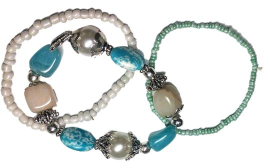 Preload https://item3.tradesy.com/images/new-new-3-piece-stretch-bracelet-set-turquoise-white-silver-cute-j342-1299282-0-0.jpg?width=440&height=440