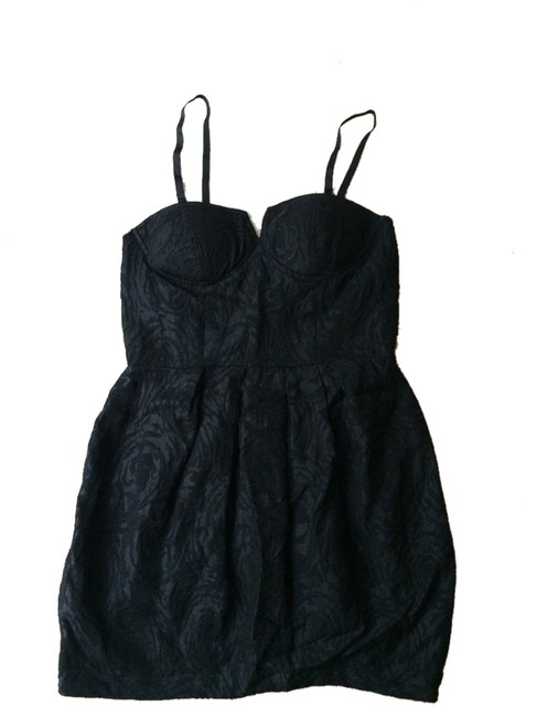 Preload https://item3.tradesy.com/images/forever-21-black-little-mini-night-out-dress-size-8-m-1299707-0-0.jpg?width=400&height=650