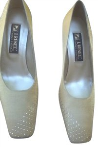 J. Renee Beige Pumps