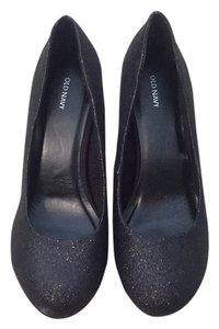 Old Navy Black Pumps