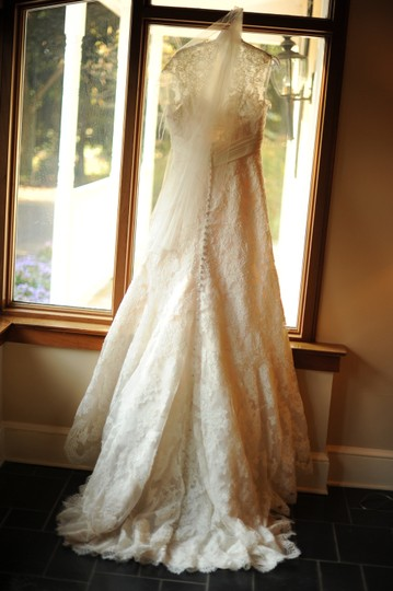 Allure Bridals Ivory Lace Over Satin C155 Feminine Wedding Dress Size 12 (L)